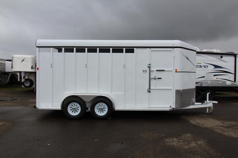 2018 Fabform Vision 18ft - Swing out Saddle rack - Solid Tack wall - 3 Horse Trailer