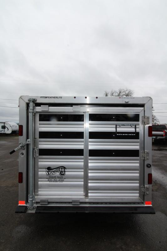 2019 Featherlite 8107 Livestock Trailer 16' Low Profile - Center Gate on Track Sliders for Adjustable Pen Sizes