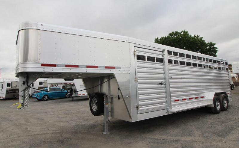 2020 Featherlite 8127 - 24ft Livestock Trailer - Sorting Doors