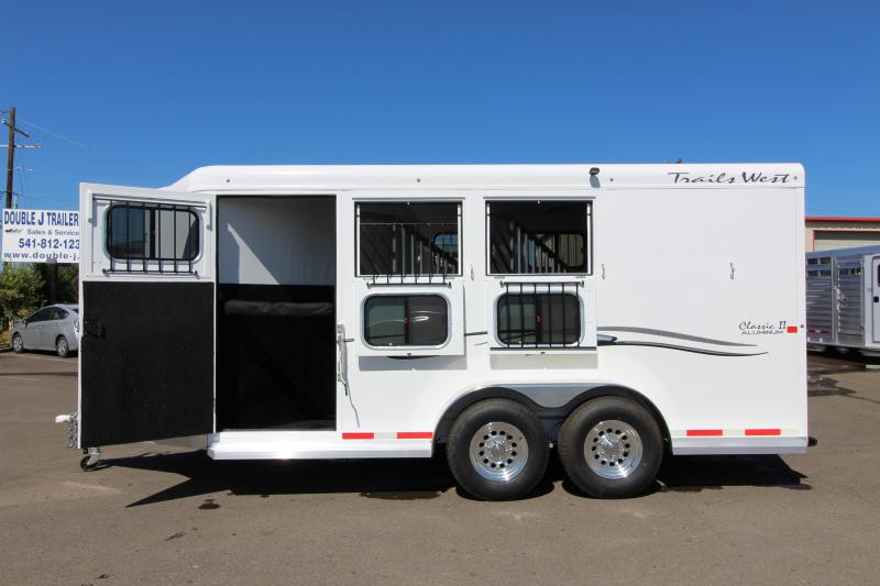 2018 Trails West Classic 3 Horse Trailer - Steel Frame Aluminum Skin - Escape Door - Convenience Package - REDUCED PRICE in Paisley, OR