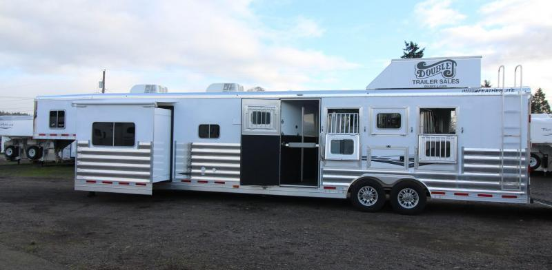 2018 Featherlite 9821 Liberty 17' Living Quarters w/ Slide - Couch & Dinette - Bar - Central Vacuum - And Much More! - 4 Horse Trailer w/ fans in horse area - Hay Pod - PRICE REDUCED $6000!