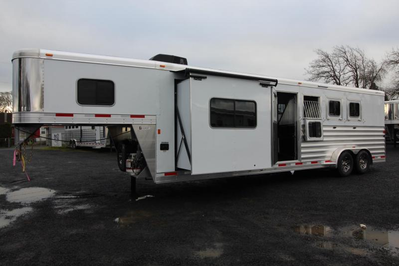 2019 Exiss Escape 7410 Living Quarters w/ 10ft short wall - Slide Out - Dinette - 4 Horse Trailer