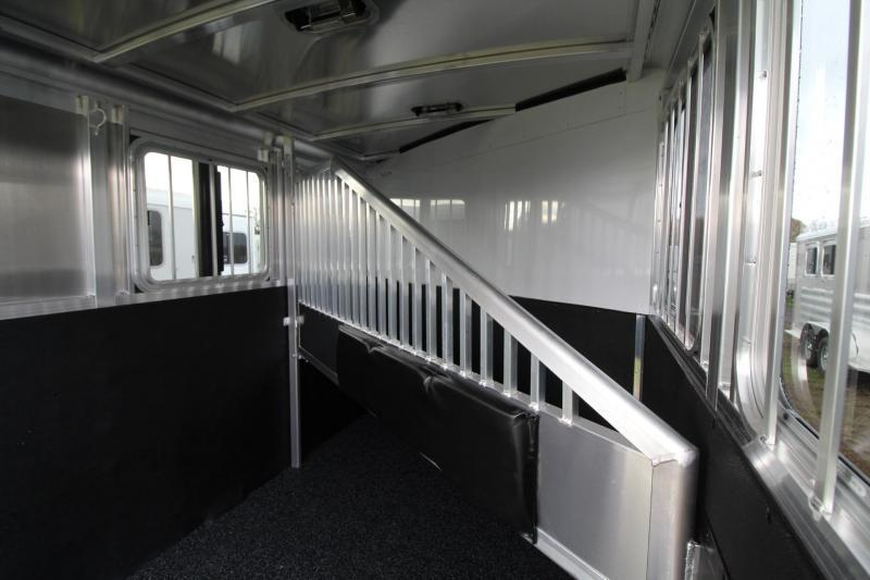 2018 Exiss Express XT - Jail bar divider W/ Pads - Polylast Flooring - Carpeted Tack Wall - 2 Horse Trailer PRICE REDUCED $950