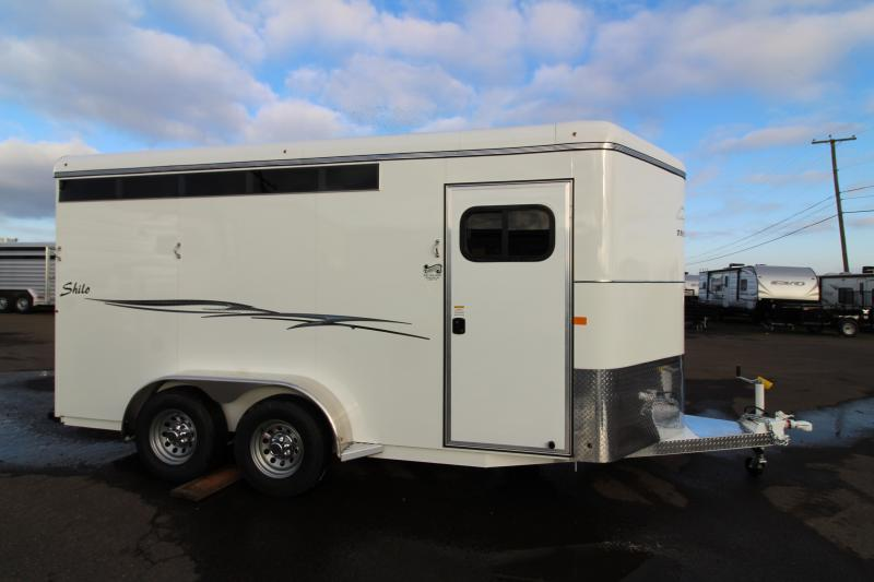 "2019 Thuro-Bilt 3 Horse Shilo Trailer - 7'6"" Tall Drop Down Head Side Windows - Tail Side Air Gaps - Fully Enclosed Tack Room with Swing Out Saddle Rack"