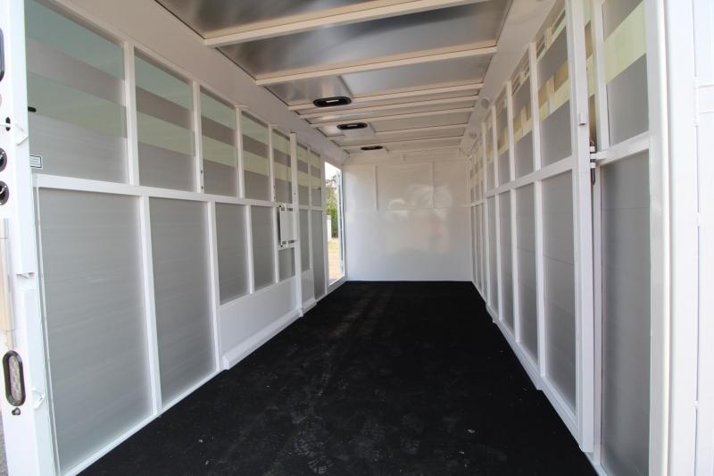 2018 Trails West Santa Fe 21ft - Straight Tack Room - Stock/Horse Combo Trailer