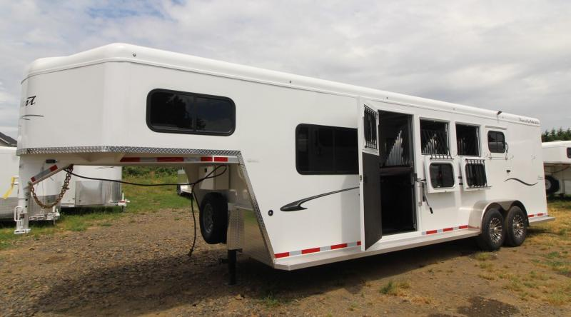 2020 Trails West Classic 5x5 Comfort Package w/ Side Tack 4 Horse Trailer