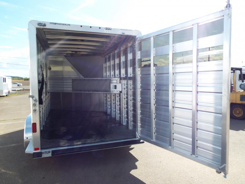 2018 Featherlite 9651 - 3 Horse Trailer - All Aluminum - Head and Tail Side Air Gaps with Removable Plexi Glass - PRICE REDUCED BY $850