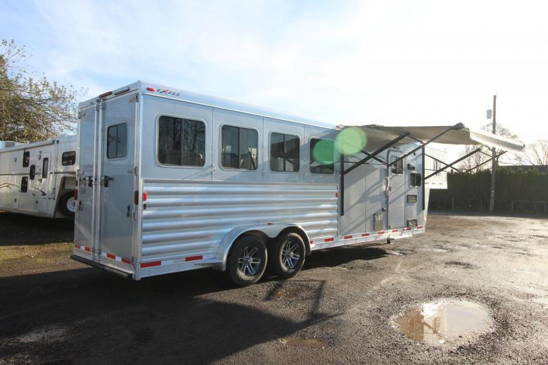 2018 Exiss Escape 7408 - 8' Short Wall - 4 Horse Living Quarters Trailer W/ Easy Care Flooring