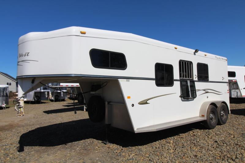2005 Trails West Sierra 5x5 Comfort Package w/ Side Tack 2 Horse Trailer in Ashburn, VA