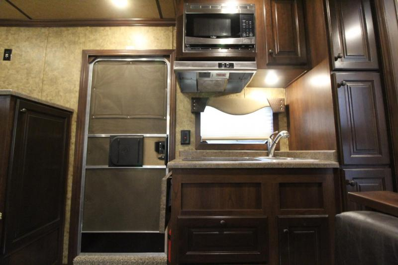 2019 Exiss Escape 7410 - 10'sw Living Quarters 4 Horse Trailer w/ Dinette