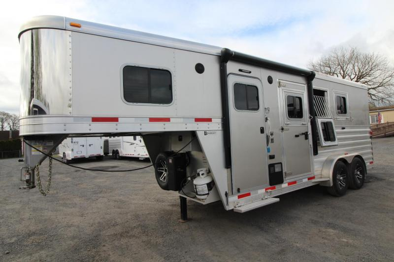 "2017 Exiss Escape 7304 Living Quarters - 4' 6"" SW 3 Horse Aluminum Trailer - Lightly Used"