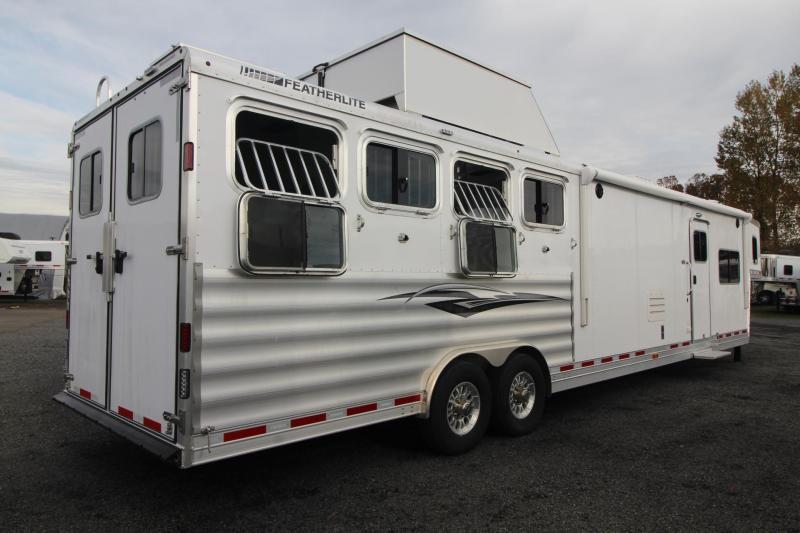 2019 Featherlite 9821- 17ft w/ Slide - GENERATOR - 4 Horse Living Quarters Trailer - Haypod & More!