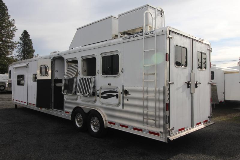 2019 Featherlite 9821- 17ft w/ Slide - GENERATOR - 4 Horse Living Quarters Trailer - Haypod & More!