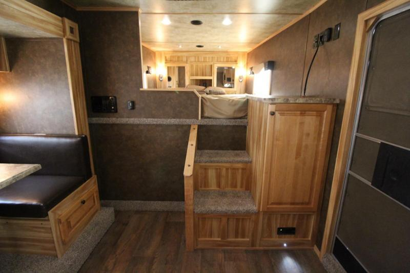2018 Exiss Endeavor 8412 W/ Slide out - 4 Horse Living Quarters Trailer - Polylast Flooring - Stud Divider PRICE REDUCED $2000
