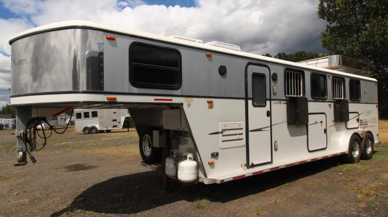 2004 Classic Gold Series 6' short wall living quarters 4 Horse Trailer