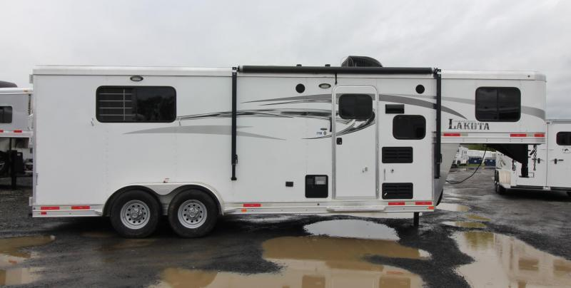 "2016 Lakota Charger 6' 9"" W 7'sw Living Quarters 3 Horse Trailer"