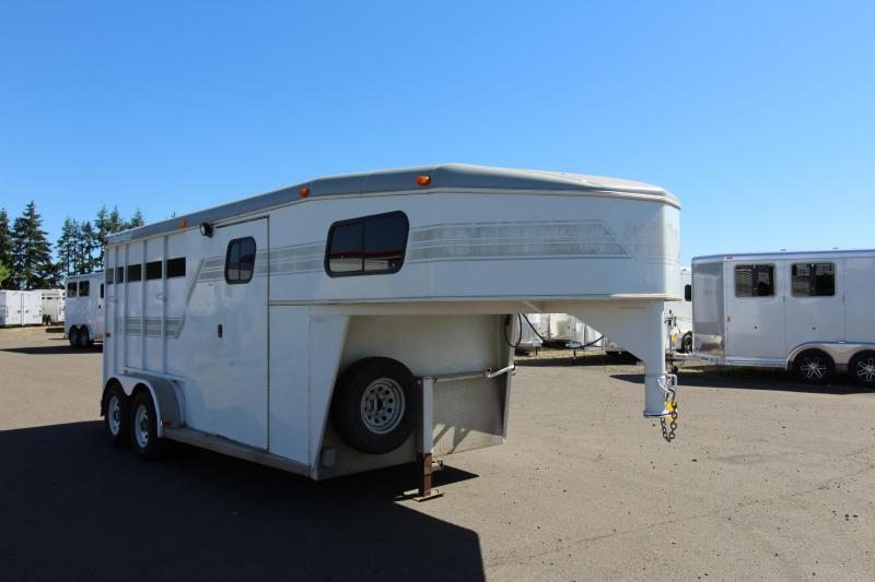 1997 Trails West  3 Horse Steel Trailer - Fully Enclosed Tack Room - Drop Down Feed Doors - Tail Side Air Gap