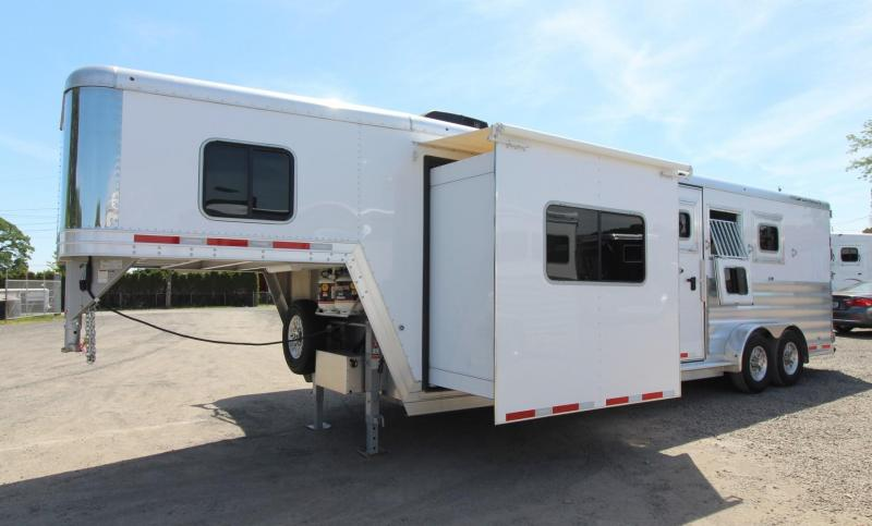 2019 Featherlite 8572 Liberty 10' SW Living Quarters w/ Slide Out 3 Horse Trailer