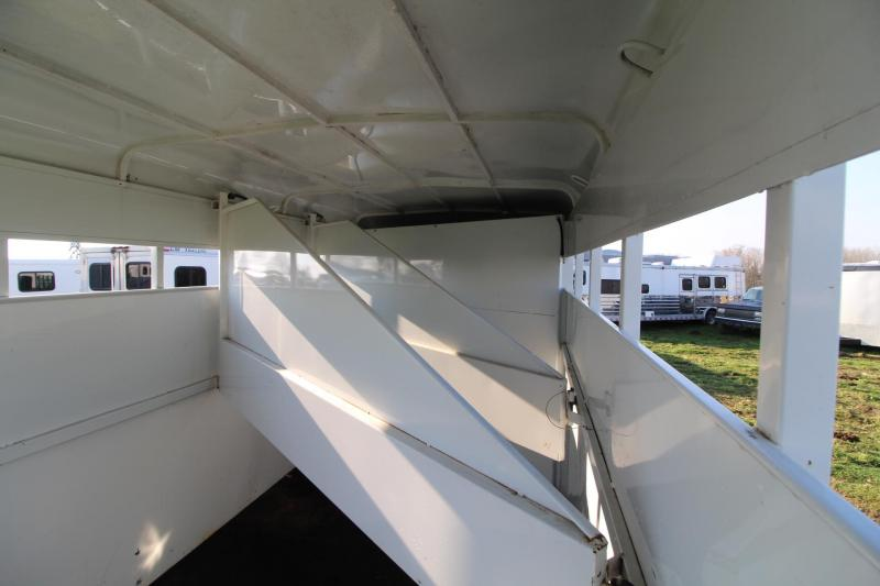 1999 Trails West Baron 3 Horse Trailer - Swinging Tack wall