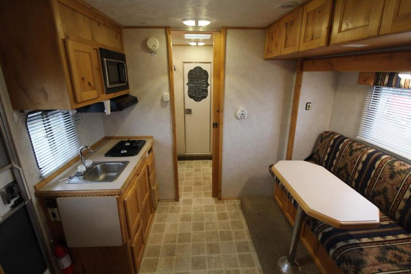2005 Charmac 13ft sw Living Quarters w/ slide out 3 Horse Trailer w/ mid tack