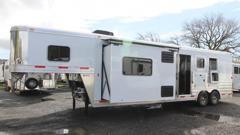 2019 Exiss Trailers Endeavor 8312 Horse Trailer W/ Slide PRICE REDUCED
