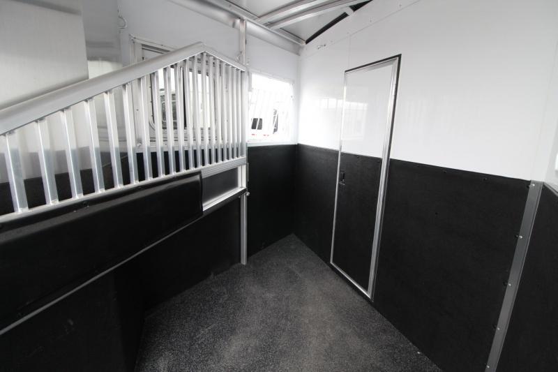 2018 Exiss Escape 7206 - 2 Horse 6ft short Living Quarters Trailer - Polylast Hoof Grip Flooring