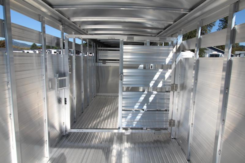 2019 Featherlite 8117 20ft aluminum Livestock Trailer