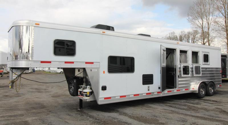 2019 Exiss Escape 7410 - 10'sw Living Quarters 4 Horse Trailer w/ Dinette PRICE REDUCED