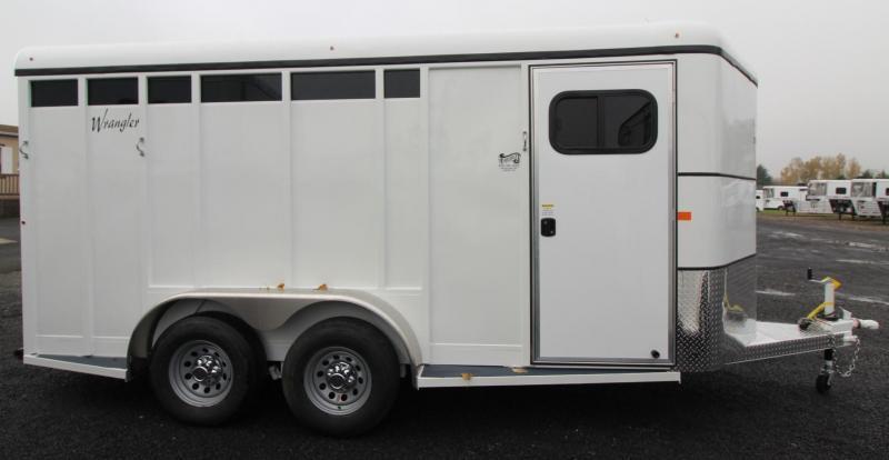 2019 Thuro-Bilt Wrangler Plus 3 Horse Trailer - Swing out saddle rack