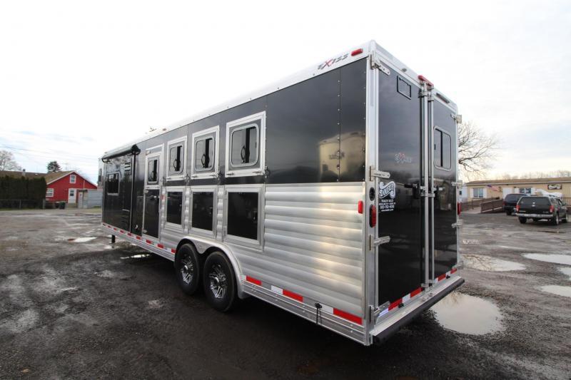 2018 Exiss Endeavor 8412 W/ Slide out - 4 Horse Living Quarters Trailer - Polylast Flooring - Stud Divider