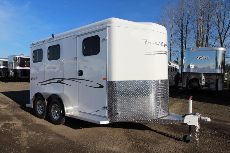 2018 Trails West Classic II - 2 Horse Trailer - Aluminum Skin - Convenience Package - Alum Wheels - Rubber Mats in Tack