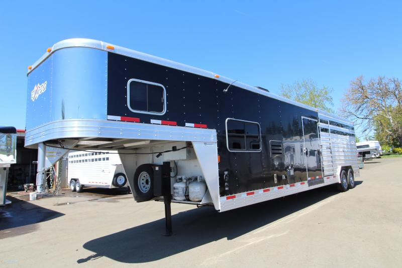 2016 Exiss 8032 - Stock Combo Living Quarters - 10 ft SW Living Quarters with Dinette - Full Mid Tack Room with Side Ramp - Power Awning