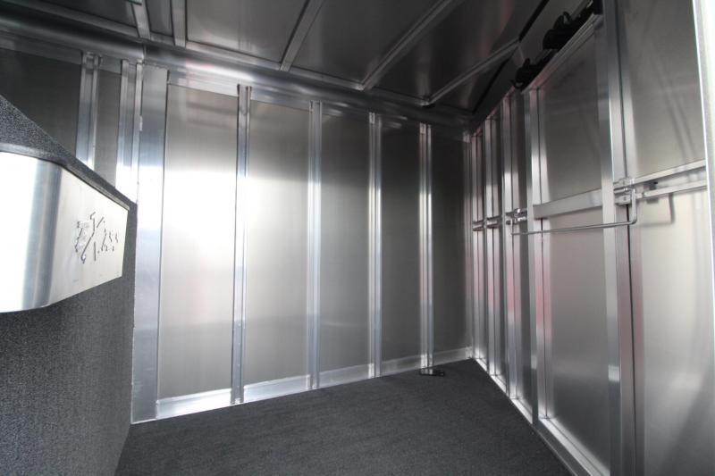 2018 Exiss 7300 - Polylast flooring - Stud divider - Escape door - Jail bar dividers - 3 Horse Trailer W/ Rear tack