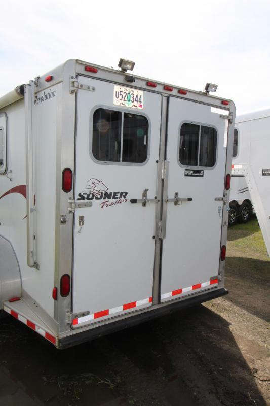2000 Sooner 3 Horse Aluminum Trailer - Awning - Rear Tack -