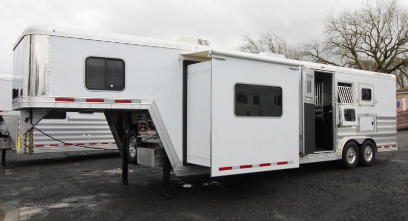 2019 Featherlite 9821 Liberty 11ft SW living quarters w/ slide 3 Horse Trailer Generator Ready Easy Care Flooring PRICE REDUCED $2600