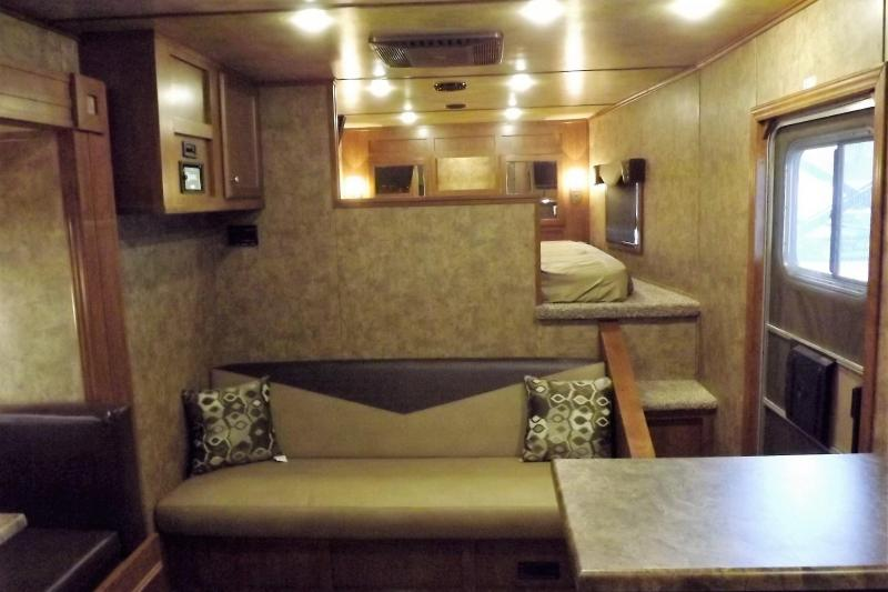 """2017 Exiss Endeavor 8416 - 7'8""""Tall 8' Wide 16' Short Wall Slide Out Dinette Hydraulic Jack Electric Awning Lots of Upgrades 4 Horse Living Quarters Trailer PRICE REDUCED $3400"""
