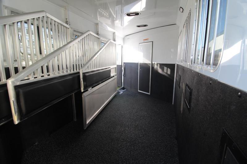 2019 Exiss Escape 7410 Living Quarters w/ 10ft short wall - Slide Out - Easy Care Flooring - Dinette - 4 Horse Trailer PRICE REDUCED