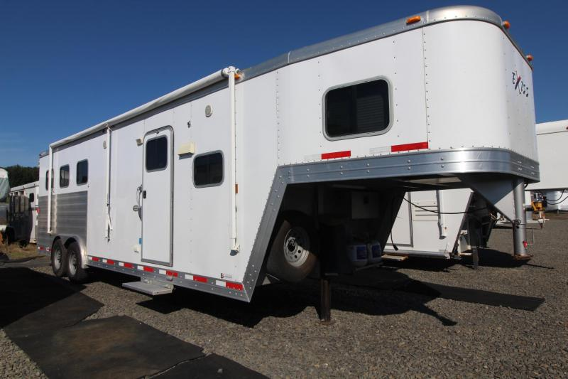 2011 Exiss Trailers 8310 Living quarters Horse Trailer - 10' SW Sierra interior