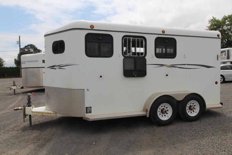 2003 Morgan Built 3 Horse Trailer w/ Drop Down Windows on Head side