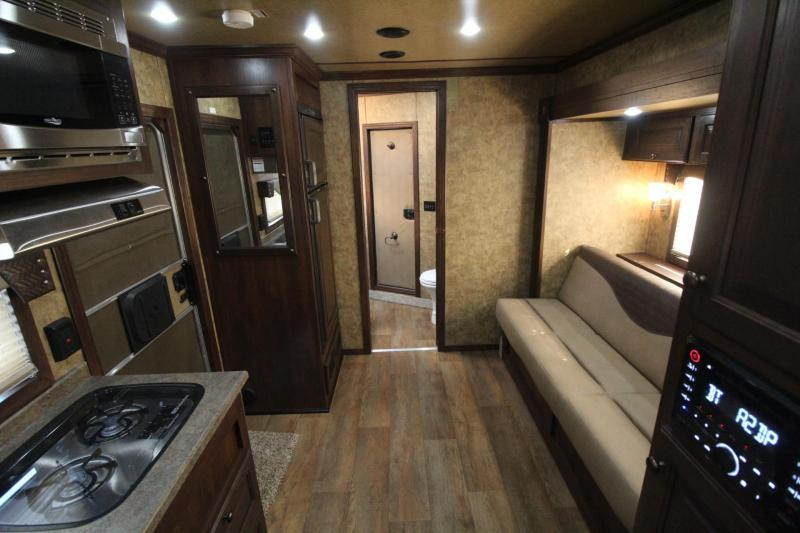 2018 Exiss Endeavor 8410 w/ Slide Out Living Quarters 4 Horse Trailer Lined & Insulated Ceiling - Upgraded Side Sheets PRICE REDUCED