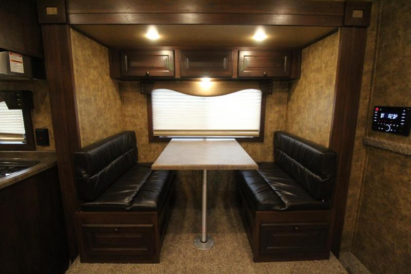 2019 Exiss Endeavor 8414 - 14' sw Living Quarters Horse Trailer - Couch & Dinette