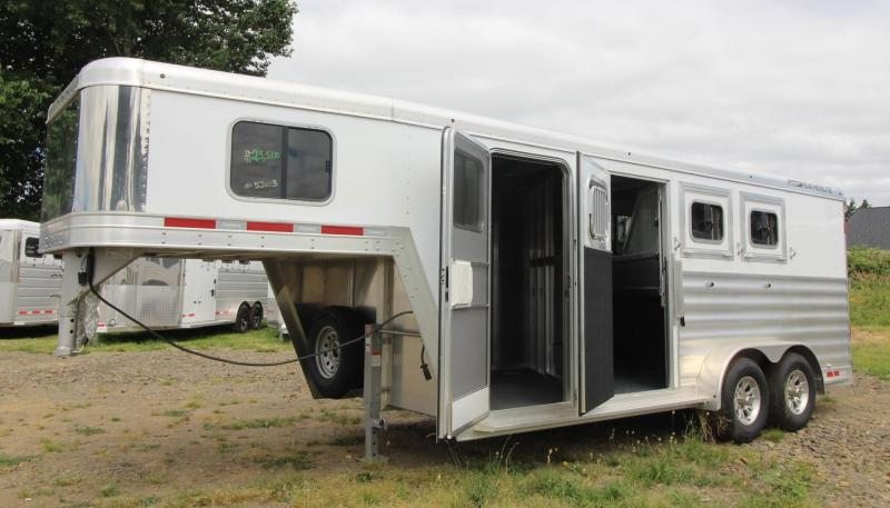 2020 Featherlite 7541 -Aluminum 3 Horse Trailer - Polylast floor - LARGE Dressing Room - Rear Tack