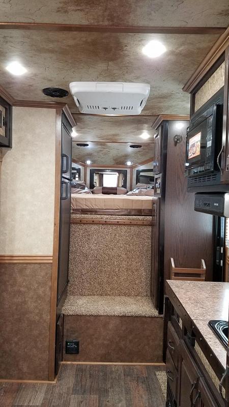 "2017 Trails West Sierra - LIKE NEW W/ WARRANTY- 7'6"" Tall 10x15 -Slide Out- Escape door - 8cft Fridge - Living Quarters 3 Horse Trailer W/ Easycare Flooring"
