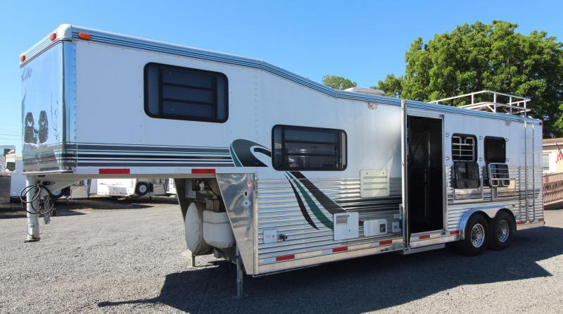 1999 Silver Lite Living Quarters 3 Horse Warmblood Trailer *GREAT CONDITION* - Generator