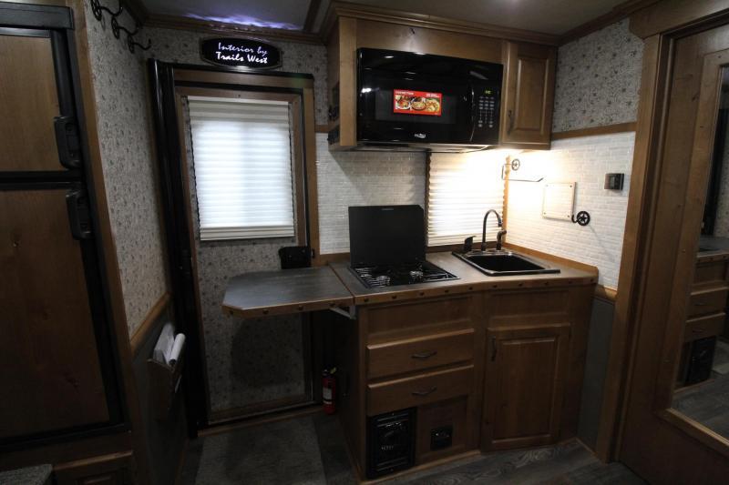 2019 Trails West Sierra 13x13 Living Quarters w/ Slide out 4 Horse Trailer w/ Side tack