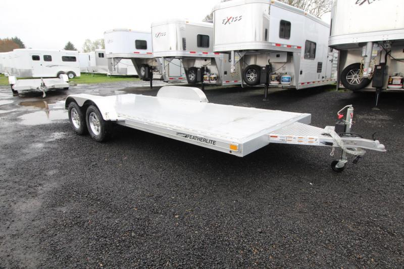 2019 Featherlite 3182-18'-Car / Racing Trailer-All Aluminum