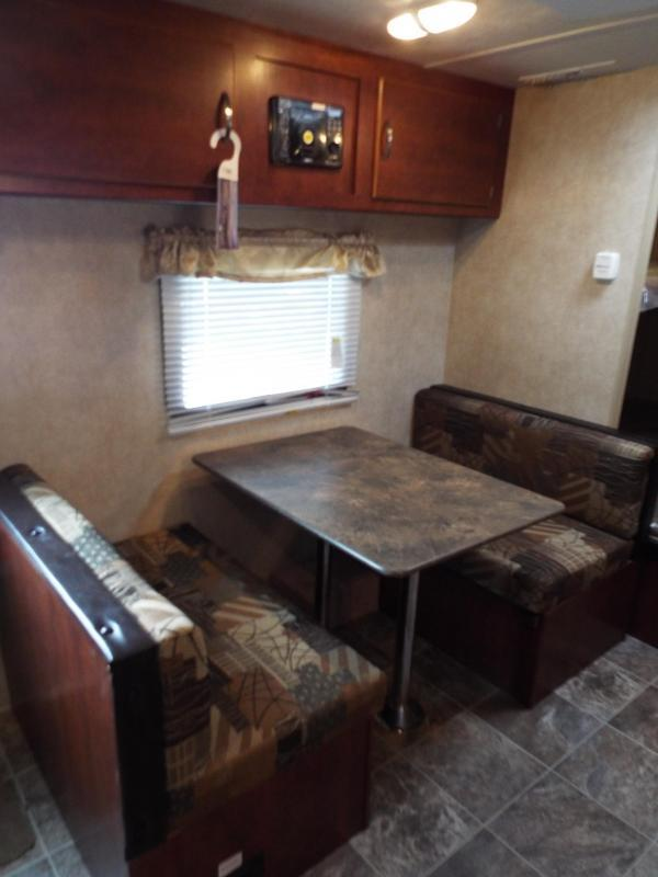 2017 Forest River EVO Factory Select - 172BH - Bunk House - Dinette - Sleeper Sofa - Large Refrigerator - PRICED REDUCED BY $1490