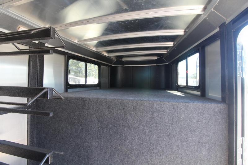 2017 Logan Coach Crossifre 4 Horse Trailer *EXCELLENT CONDITION*  PRICE REDUCED $400