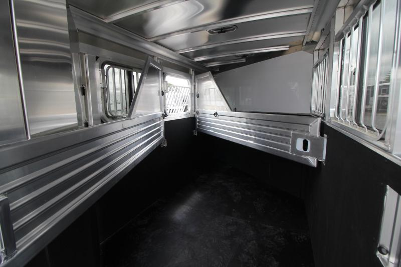 2018 Featherlite 9409 - Rear Tack - Large Dressing Room - 3 Horse Aluminum Trailer PRICE REDUCED