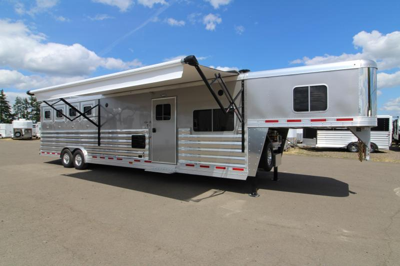 2018 Featherlite 9821 - 15' SW LQ w/ Slide Out 4 Horse Trailer - All Aluminum - Fully Loaded Trailer! - Hay Rack - Mangers and more!
